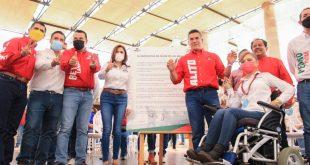 Signa Claudia Anaya convenio con comunidad migrante